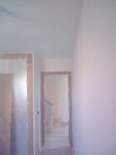 Aplicado 3 manos de Aguaplast en techo y paredes habitacion 2 (6)