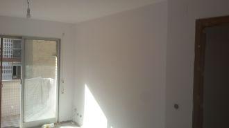 2 mano de plastico sideral s-500 blanco en paredes (11)