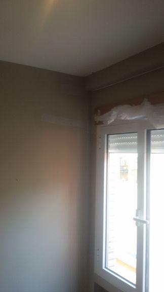 Instalacion de tiras de 5cm de Veloglas en resto de paredes (3)