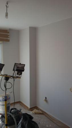 1 mano de plastico sideral color gris en paredes (2)