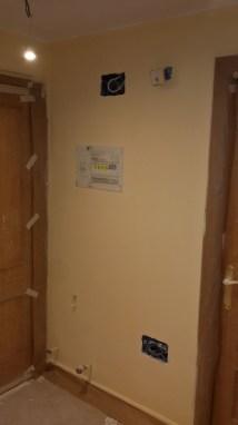 1 mano de plastico sideral color marron en paredes (6)