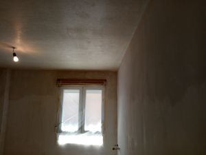 Aplicado 2 mano de aguaplast en paredes (7)