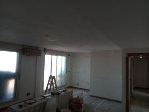 Aplicado 1ª Mano de Aguaplast Macyplast en techos y paredes (3)