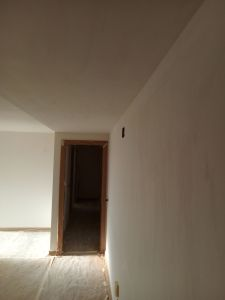 Aplicado 2ª Mano de Aguaplast Macyplast en techos y paredes (2)