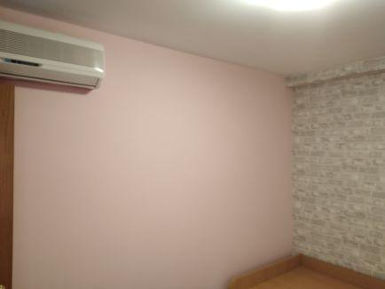 Habitacion Papel pintado labrillo y plastico sideral color rosa (3)