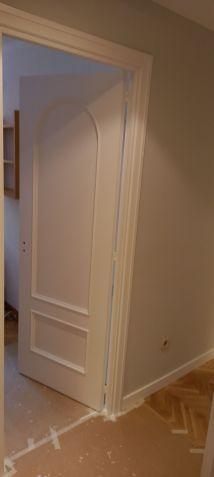 Lacado de puertas blanco y plastico liso gris con veloglas (7)