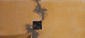 Instalación de grapas en rajas (3)