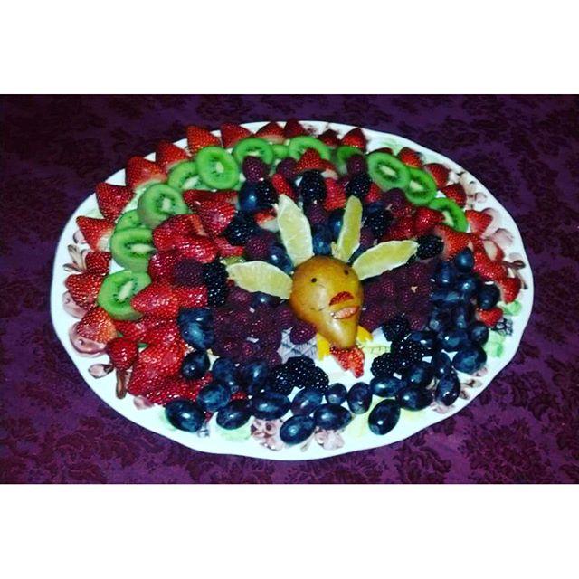 #fruitart #thanksgiving #vegan #rt4 #fruiturkey