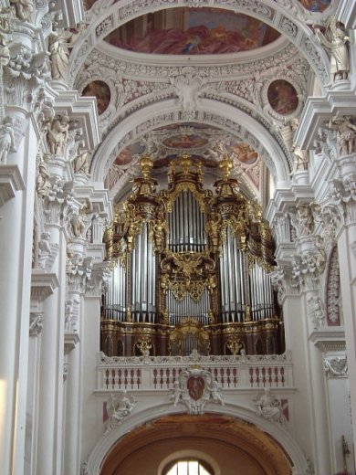 Passau organ, photo by Gunterius