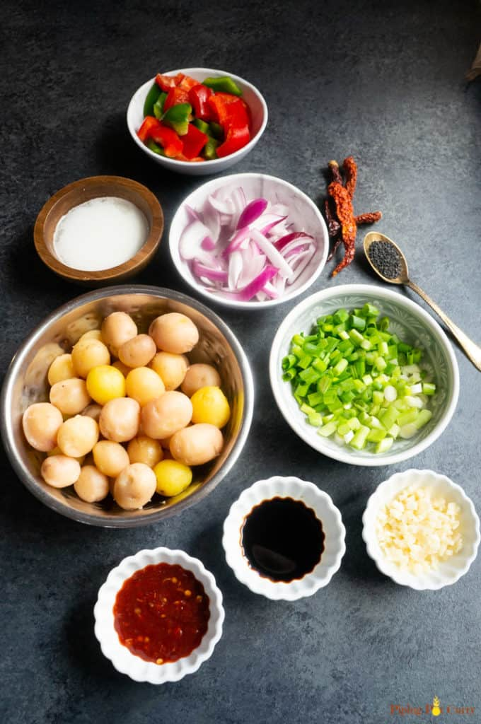 Ingredients to make garlic chili potatoes