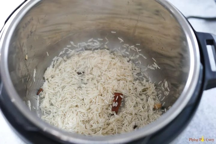 Zarda. Meethe Chawal - Add rice in Instant Pot