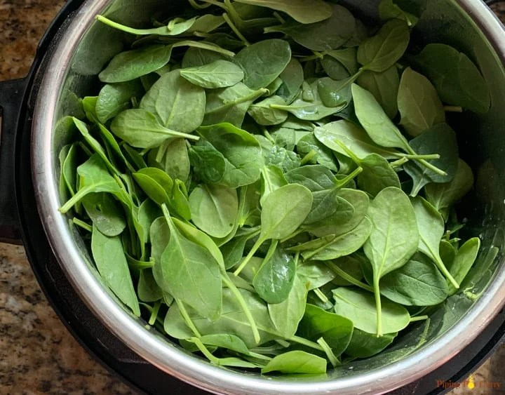 Spinach add to the preparation for Saag Aloo in instant pot