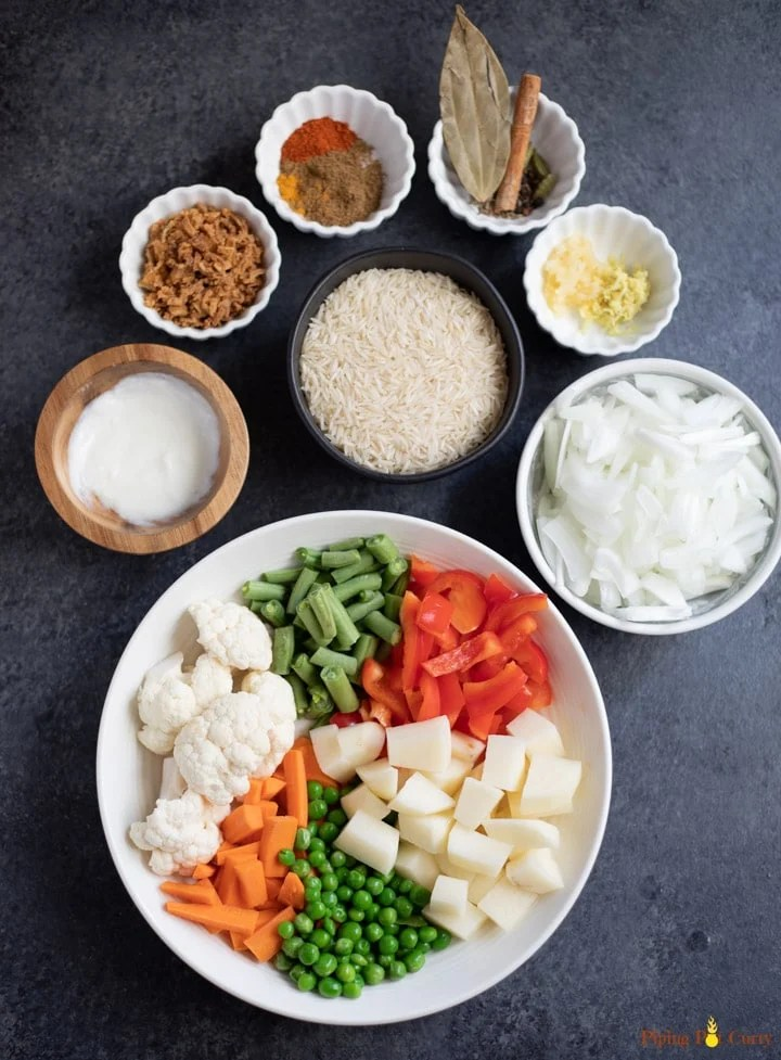 Ingredients such as vegetables, rice, onions and spices