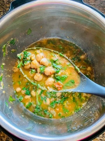 Chana saag - Piping Pot Curry