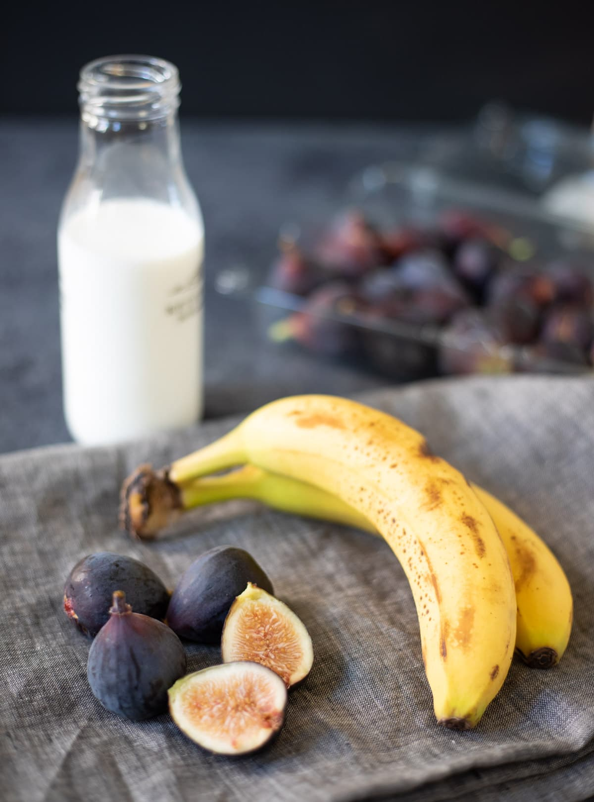 Ingredients such as figs, banana and milk