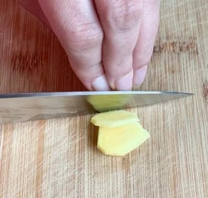 how to slice ginger