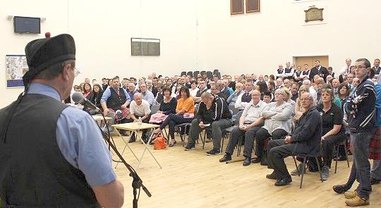 gordon addresses crowd