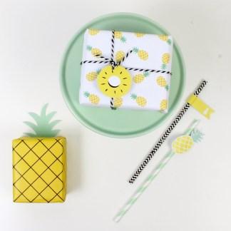 decoracion fiesta tematica infantil descargables papeleria pineapple pipolart lamina party pipolart invitacion papel regalo