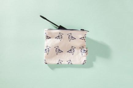 serigrafia-una-tienda-estuches-libretas-neceser-algodon-a-mano-papel-reciclado-estampado-pipolart-pipol-art-pajaritas-origami-neceser-estuche