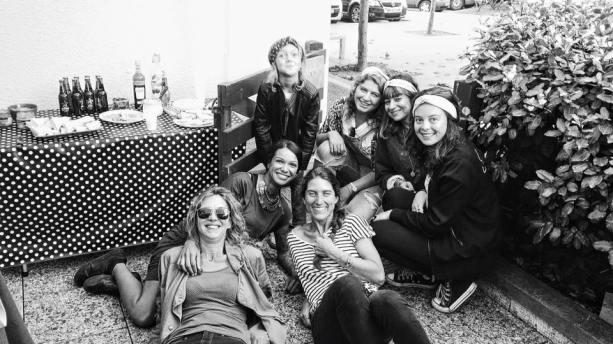 surf-fm-girls
