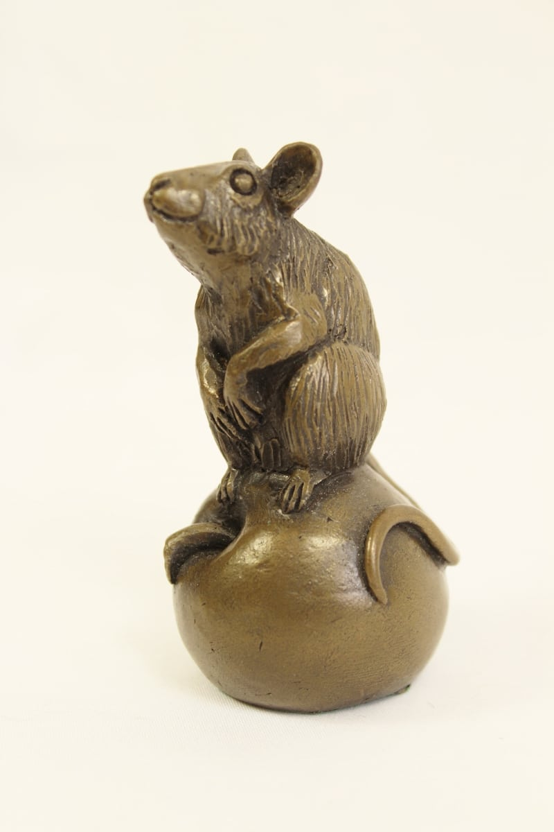 bronze resin Mouse on apple - small