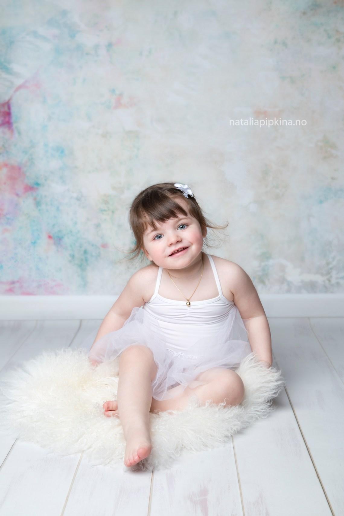 barnebilder-familiefotografering-babyfotografering-barnefotografering-oslo-fotograf-oppegaard-familiebilder-oslo-barn-foreldreogbarn