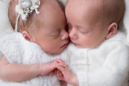 ta-bilder-av-nyfødt-tvillinger-akershus