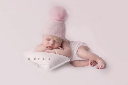 nyfødtbaby-nyfødtfotografering-oppegård-barnefotografering-barnebilder-Oslo