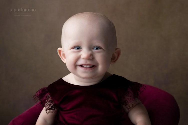 barnefoto-ettårsfotografering-1årsbilder-1årsfoto-1år
