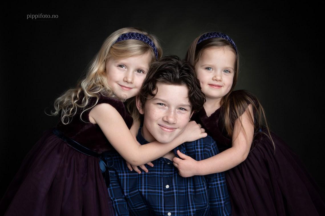 søskenfotografering-Oslo-familiefotografering-fotograf-studiofotografering