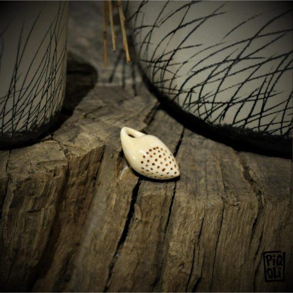 Perle coquillage prehistoire prehistorique paleolithique aurignacien ivoire de mammouth