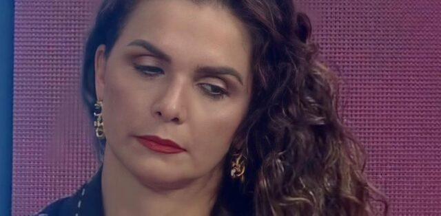 Uma foto da eliminada Luiza Ambiel