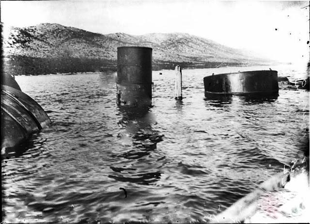 """Ύστερα από εργασίες ανέλκυσης κάποιο μέρος του """"Αλέξανδρος Ζ"""" εμφανίστηκε στην επιφάνεια της θάλασσας αφού ρυμουλκήθηκε στην Ψυτάλλεια"""