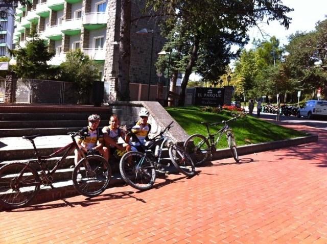 Foto de grupo al final de la ruta