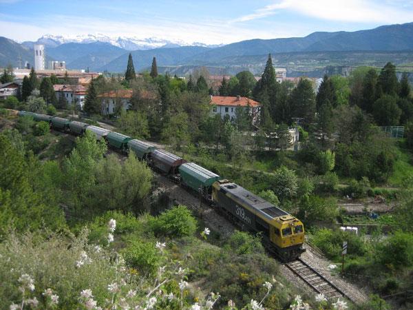 Tren de mercancías cerca de Sabiñánigo