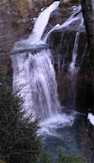 Ordesa: cascada de la cueva
