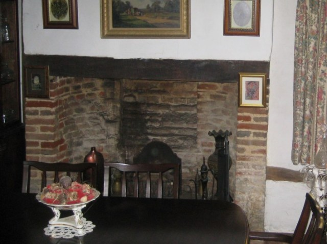 This curved design of brick fireplace has been seen in other buildings in Pirton and seems to date from the early 18th century.