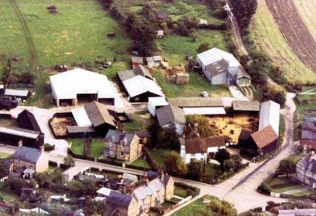 This was the last farm to be lived on and worked by a Pirton family before the land was sold in 1997