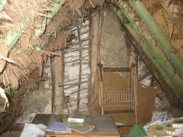 Wattle and daub infill to the northern gable.