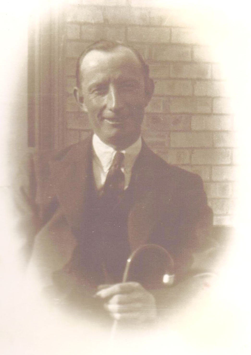 Tom Lake died young following a stroke in 1943.