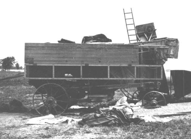 A threshing machine at Burge End Farm