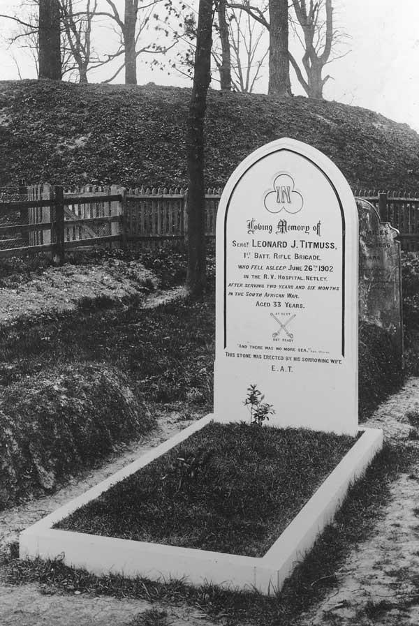 Example of a monumental inscription in Pirton churchyard
