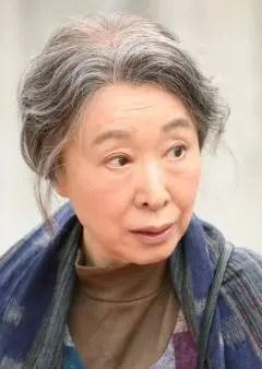 三田佳子さん