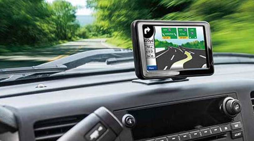 GPS Navigation  Maps   Accessories   Best Buy Phone mounted on dashboard