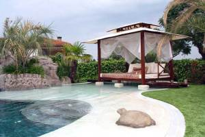 ¿Me conviene una piscina de arena en mi casa?
