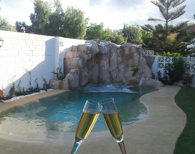 Como se construye una piscina de arena stunning permetro for Como hacer una piscina natural paso a paso