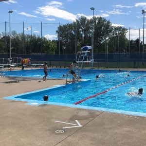 A day at Valois Pool