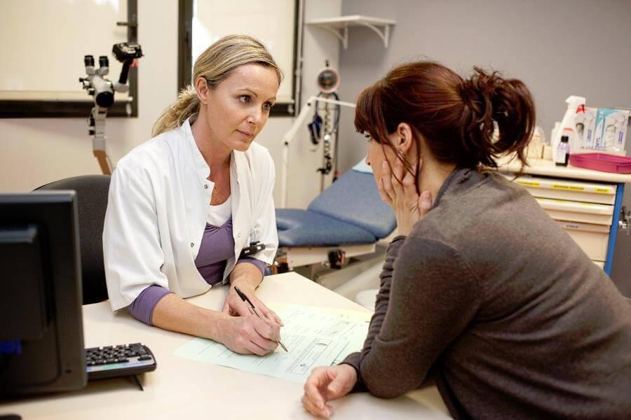 к врачу с трихомонадным вагинитом
