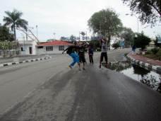 siap jalan menuju pelabuhan