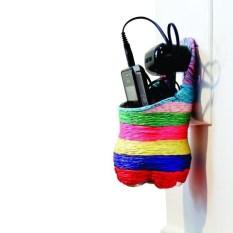 Porta-objetos. Podem ser usados até no banheiro como suporte para shampoo e condionador.